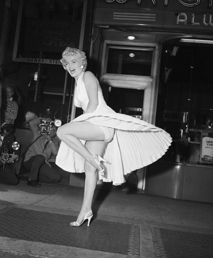 TOP 10 mẫu váy đắt đỏ nhất trong lịch sử thời trang thế giới
